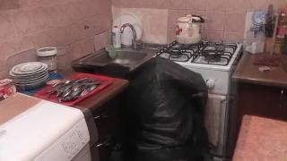Домашняя постановка с русской мамкой и сантехником