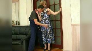 Парни и Зрелые женщины- 615