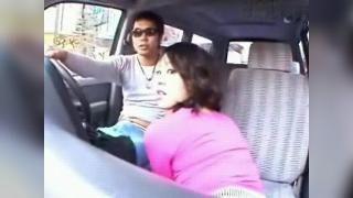 Японочка расплачивается с таксистом ртом